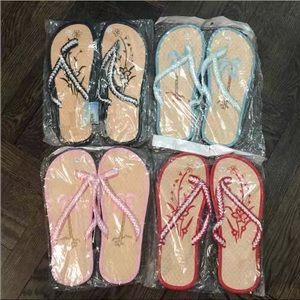 FINAL PRICE‼️ Flip Flop / Slippers BUNDLE OF 4